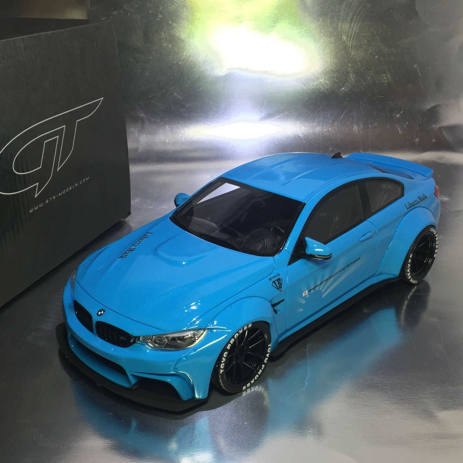 1 18 GT Spirit  KJ001 BMW LB Performance M4 Baby blu