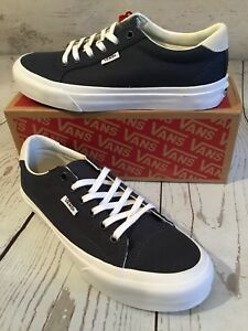 b7f77a7815f3 Image is loading Vans-Court-canvas-Midnight-Navy-True-White-Mens-