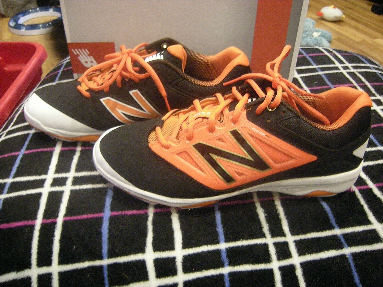Brand New Mens Black, orange & White New Balance L4040B03 Baseball Cleats, 14