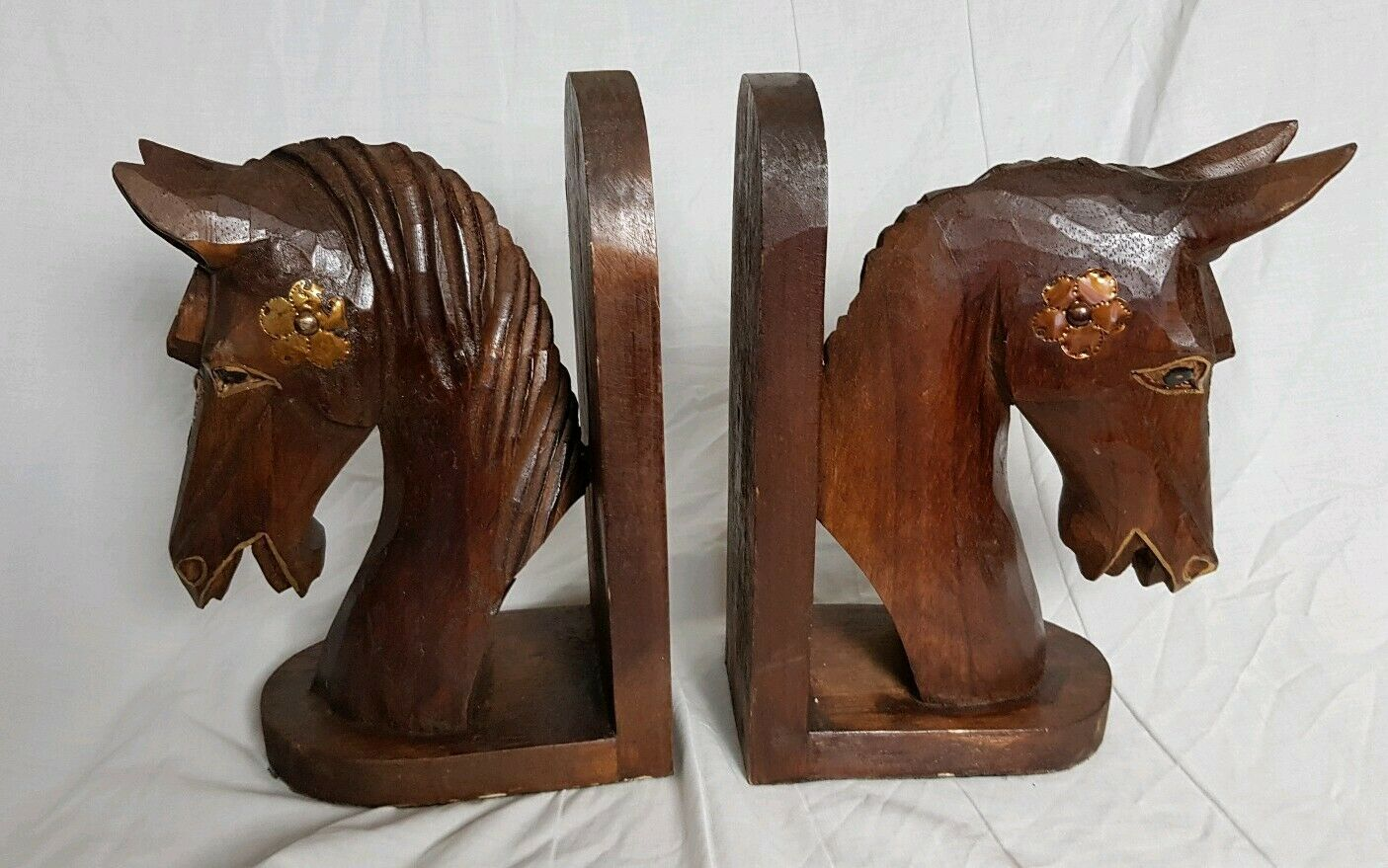Pair of Schön Large Wood and Brass Horse Head Bookends (Height - 28.5 cm)