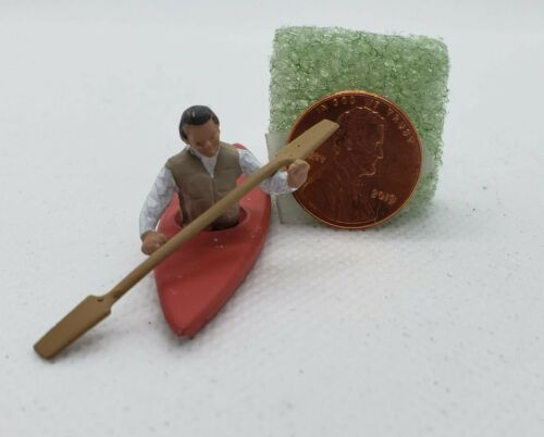 O Scale Arttista Man in Kayak  #1496 1:48