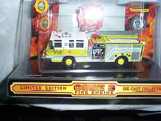 Código 3 Metro Dade Fire Rescue  30