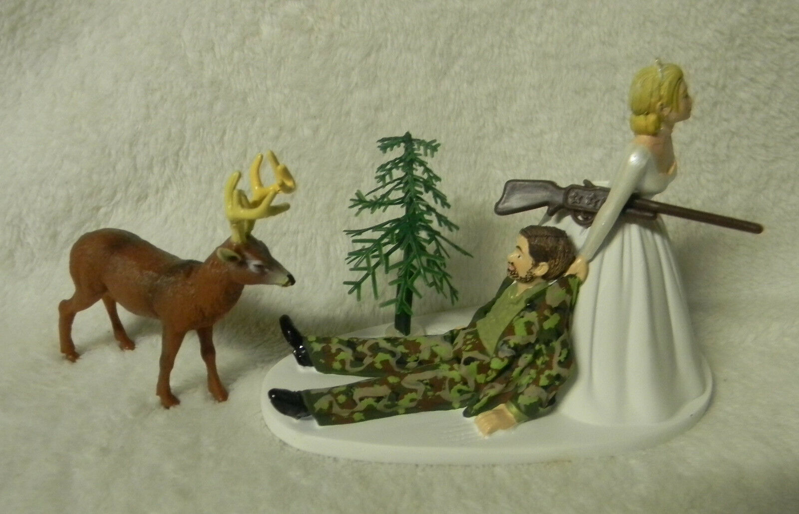 Mariage Camo plouc du Cerf Chasse fusil chasseur Groom avec barbe cake topper