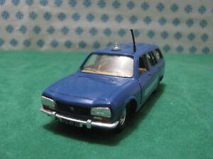 Vintage-PEUGEOT-504-2000cc-break-Gendarmerie-1-43-Solido-n-23