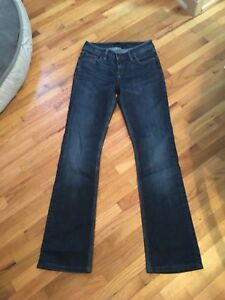 SILVER-Women-039-s-Selena-Jeans-Bootcut-Dark-Wash-25-X-29-Excellent-Short