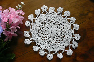 Hand-CROCHET-DOILIES-Flower-Edge-Cotton-WHITE-Round-Approx-17-18cm-across-EACH