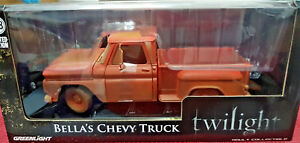 Bella-039-s-1963-Chevy-Truck-Twilight-2008-GreenLight-1-18-12863-Nuovo