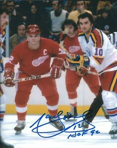 Autographed-8X10-MARCEL-DIONNE-HOF-92-Detroit-Red-Wings-Photo-w-Show-Ticket