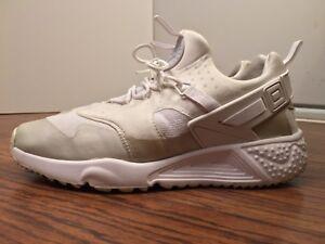 386d80b6f7526 Image is loading Nike-Air-Huarache-Utility-806807-100-White-Men-