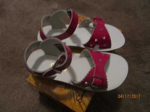 3 YOUTH FUCHSIA SWEETHEARTS SALTWATER BOUTIQUE SUN SAN NEW  SANDALS SIZE 5T