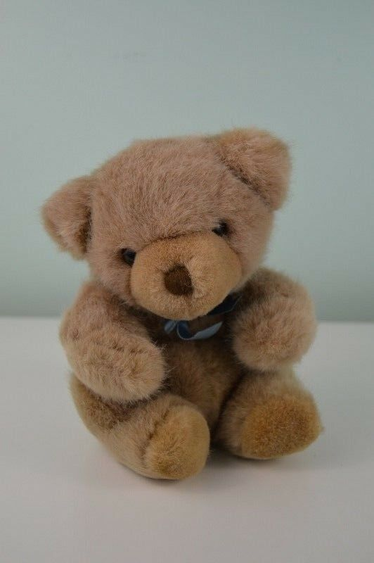 Vintage Yang Jee Teddy Bear Plush Stuffed Animal Toy Tan Blau Bow 7.5