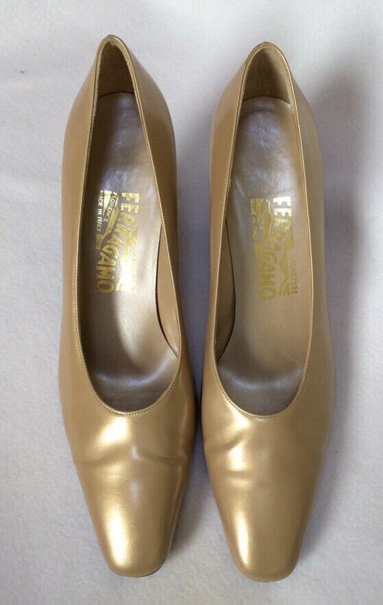 Salvatore Salvatore Salvatore Ferragamo 8.5 AA Gold Leather Pumps Bronze-tone Heel EUC Msrp  289 6802d5