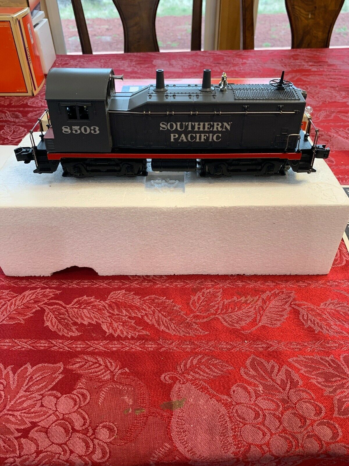 Lionel SOUTHERN PACIFIC SW1 8503 con Scatola Diesel Switcher 618503