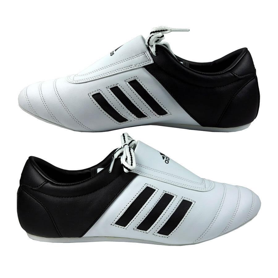 Adidas  arti marziali dei formatori  Adidas adi calcio ii  karate taekwondo scarpeformazione bianco 1ffde2