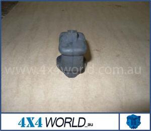 For-Toyota-Hilux-LN65-LN61-LN60-Brake-Bell-Crank-Boot