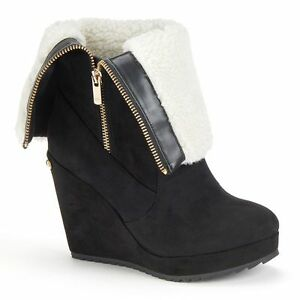 $89 NWT Womens Juicy Couture Fold-Over Platform Wedge Kasia Boots Black