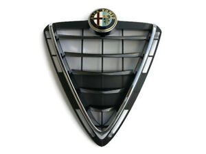 NEU-amp-ORIG-Alfa-Romeo-Giulietta-QV-Line-Scudetto-Kuehlergrill-silber-titangrau