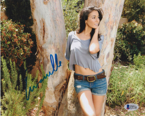 Beckett BAS Witnessed Emmanuelle Chriqui Autographed 8x10 Photo Signed
