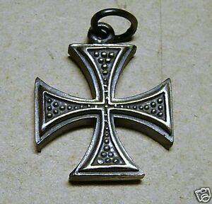 Cruz-De-MALTA-DE-PLATA-pulido-925-sterling-silver