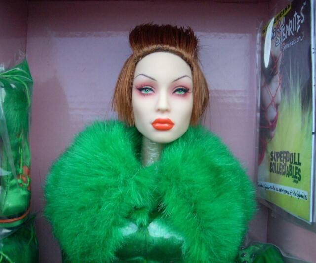 16 FBR Sybarite Gen X.2 Viridian DD_109 Dressed Doll
