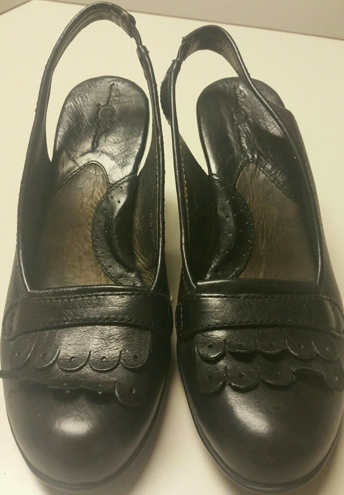 BORN CROWN BLACK LEATHER SARASOTA KILTIE SLINGBACK PUMPS SZ 9.5 CAREER SHOES EUC