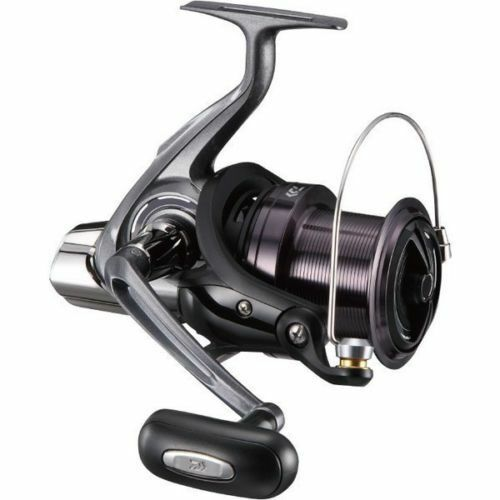 New Daiwa 17 CROSSCAST 5500 Spininng Reel SURF CASTING from Japan