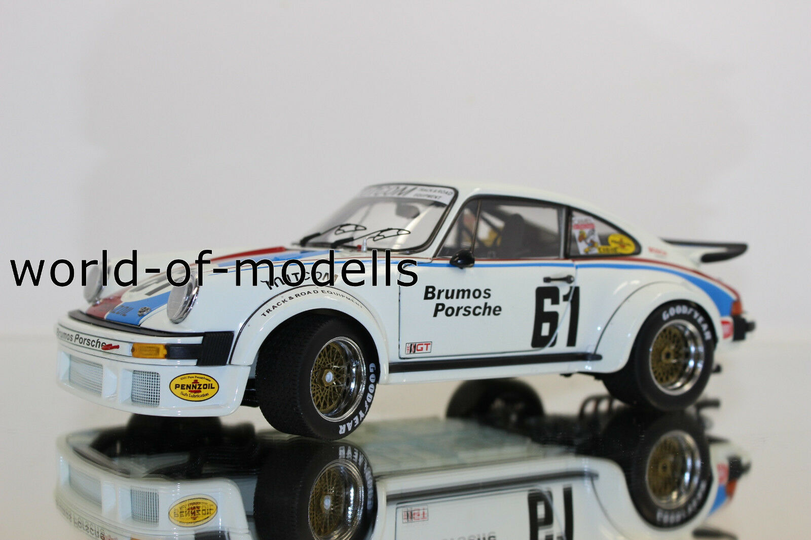 Schuco 450033800 Porsche 934 RSR Brumos 1 18 NEW WITH ORIGINAL BOX