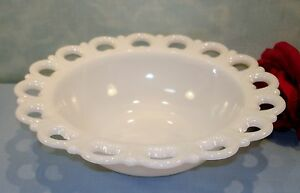 Anchor-Hocking-Lace-Edge-White-Milk-Glass-Bowl-9-1-2-034