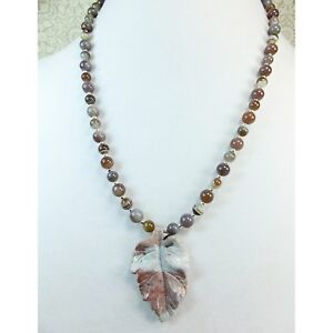 Carved-Stone-Leaf-Pendant-Lavender-Gray-Jasper-with-Matching-Agate-Stone-Beads