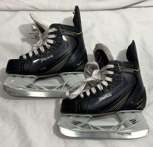 CCM Tacks 4052 (Kids/Toddlers) Ice Hockey Skates US Skate Size 12D Shoe Sz 13.5Y