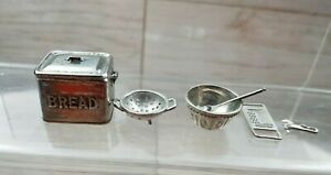 Dolls-House-Miniature-Detailed-Metal-Kitchen-Accessories-12th-scale