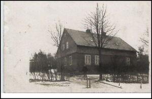 PIRNA-Echtfoto-AK-1925-Mann-vor-kleinem-Wohnhaus-alte-Postkarte-Sachsen
