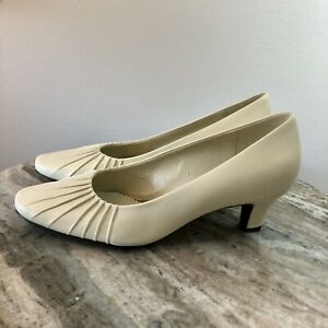 Naturalizer Womens Allie White Leather