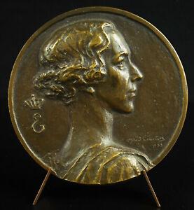 Medal-Queen-of-Belgium-Elisabeth-of-Bavaria-1953-Red-cross-a-Verheyden-Medal