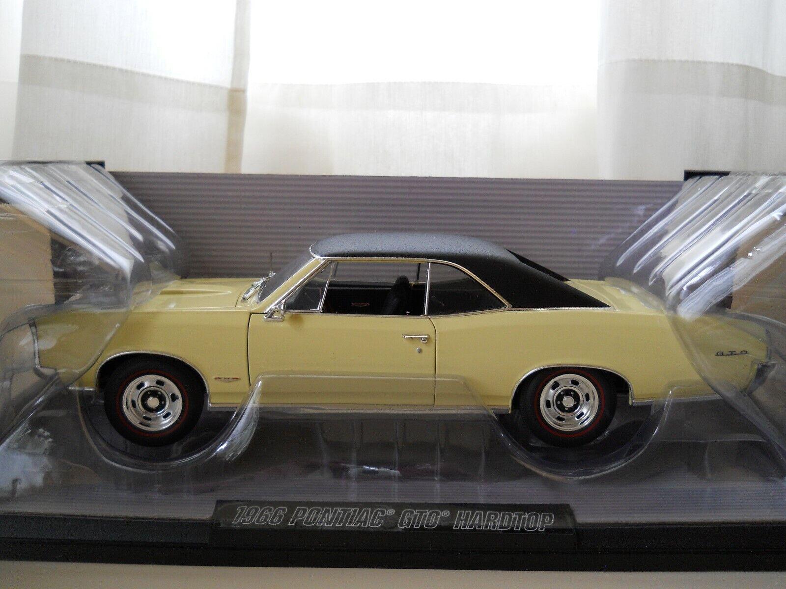 HIGHWAY 61   DIE-CAST PROMOTIONS - 1966 PONTIAC GTO HARDTOP - 1 18 DIECAST