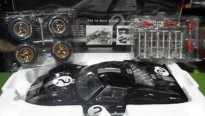 FORD-GT40-MK-II-2-WINNER-LE-MANS-1966-AMON-nella-1-12-GMP-12071-macchina