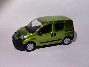 Fiat-FIORINO-vitre-de-2008-au-1-43-de-Norev
