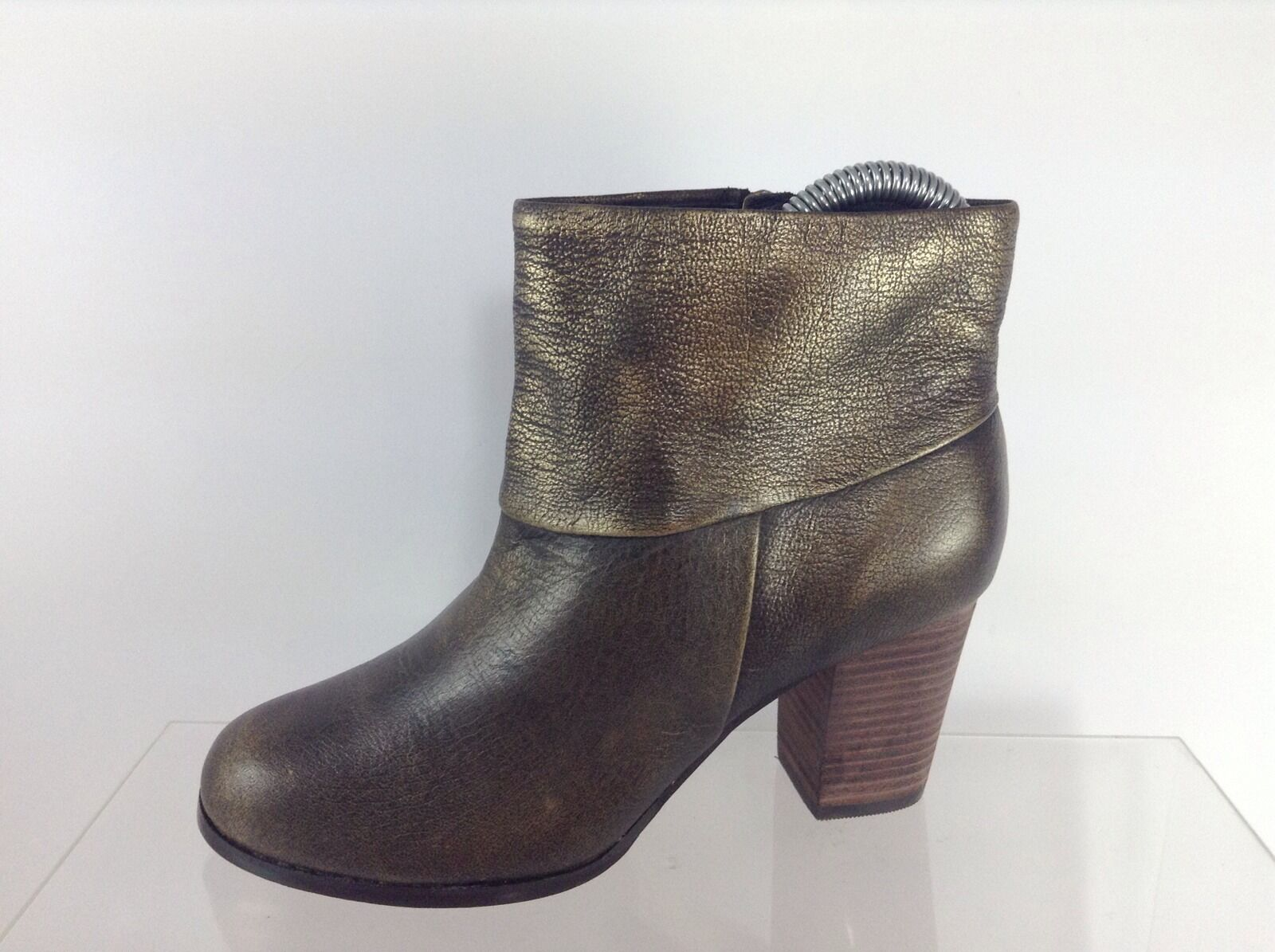 Cole Haan Women Metallic Olive Olive Olive Leather Ankle Boots 5 B cbd970