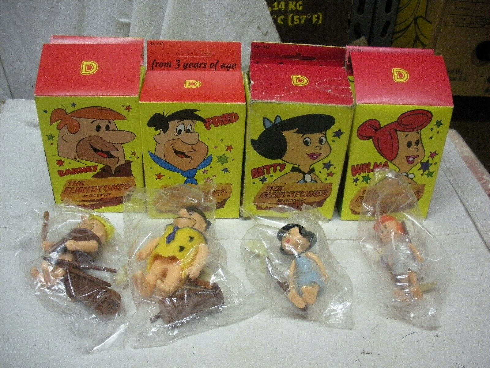 FLINTSTONES LOT OF BARNEY Frot WILMA WILMA WILMA & BETTY  D-TOYS MIB 1983 1fc9ae