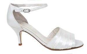 Zapatos de novia españoles NUEVOS, tacón medio. Varios números. Ref. 110607