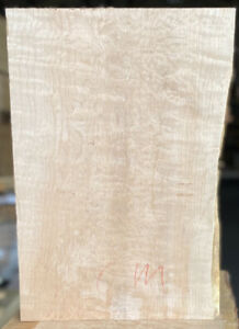 Curly-Figured-Maple-Single-Piece-Bass-Guitar-Body-22-X-15-X-1-90-KD-Big-Leaf