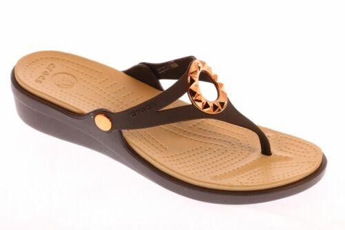 Crocs Sanrah Studded Circle Wedge Flip Flop Sandal Espresso//Tumbleweed Sz 11