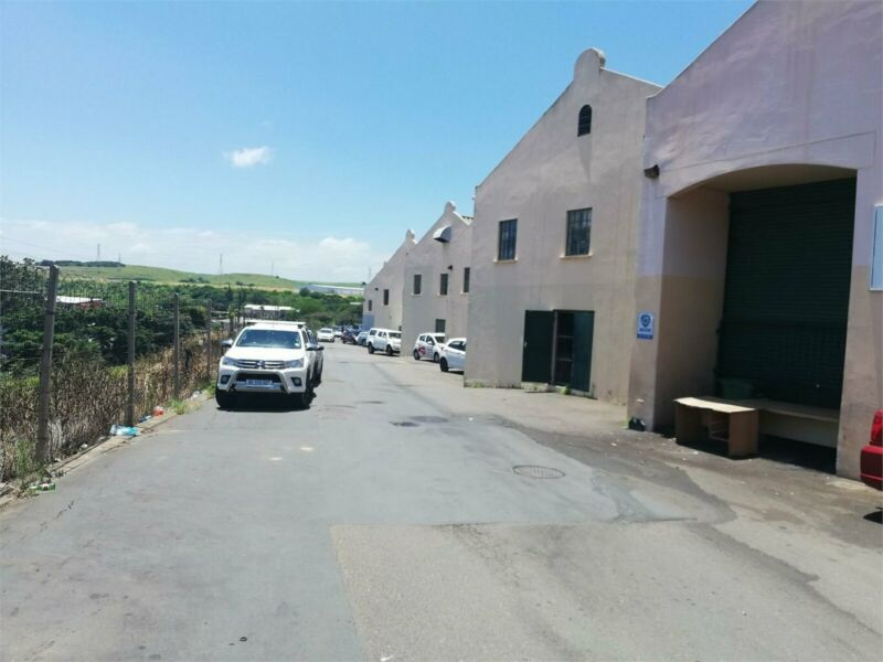 Factory Space To Let : Red Hill - 252 sqm