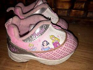 half off 14e04 413d1 Image is loading DISNEY-Princess-Cinderella-Snow-White-Belle-4-Nike-