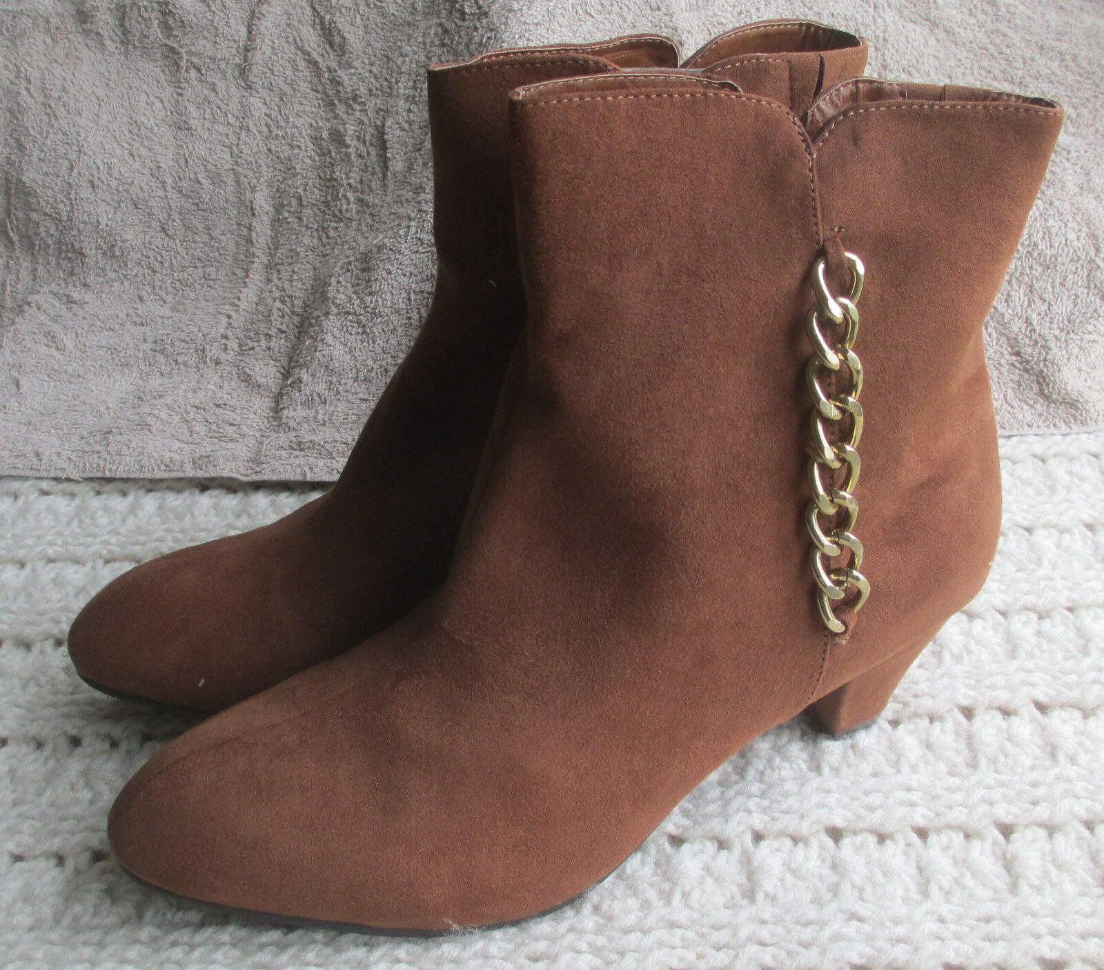 Womens Comfortview Bootie Ankle Boots Faux Suede Heels Zippered Chains Charlie