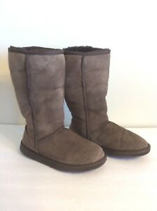 ee9de679eb0 Details about UGG Australia Mocha Brown Classic Tall Women's Boots Size W 6