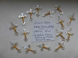 """lot : 15 petite croix en NACRO ( ancien plastique imitation nacre ) France 1970 - France - État : Occasion : Objet ayant été utilisé. Consulter la description du vendeur pour avoir plus de détails sur les éventuelles imperfections. Commentaires du vendeur : """" nettoyer , sorti du grenier"""" - France"""