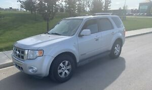 2009 Ford Escape AWD Limited 220 km 3,950$