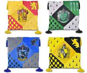 hogwarts kissen polstern harry potter warner bros studio tour gryffindor ebay. Black Bedroom Furniture Sets. Home Design Ideas
