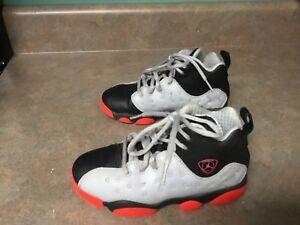 the latest 855f4 0b040 Image is loading Jordan-Jumpman-Team-II-Kids-Shoes-Wolf-Grey-